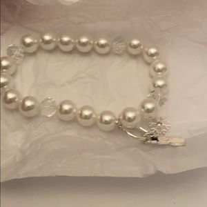 NEW! Avon Whimsy Winter Snowman Pearl Bracelet